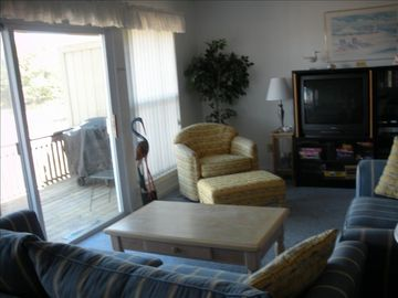 Callawassie Island villa rental - Living Room/Deck with Gas Grill