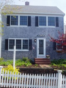 Bright, updated Colonial, 1.5 blocks from beach