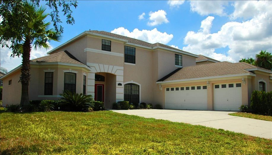 Gorgeous 7 bedroom home nr disney pool spa vrbo for I need a 4 bedroom house