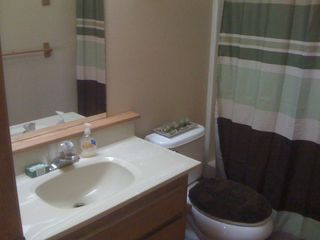 Healdsburg house photo - Nicely remodeled bathroom.