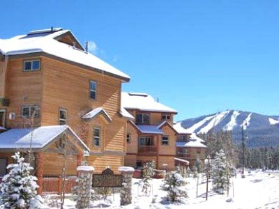 Ski resort is close to townhome and easily accessible via the FREE shuttle bus.