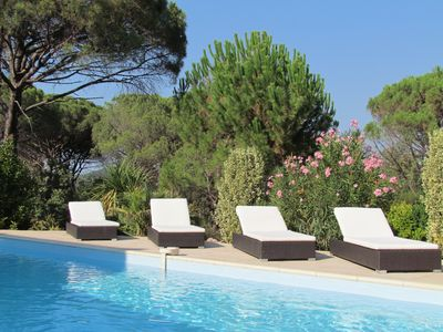 Luxurious Villa with swimming pool and beautiful, calm surroundings