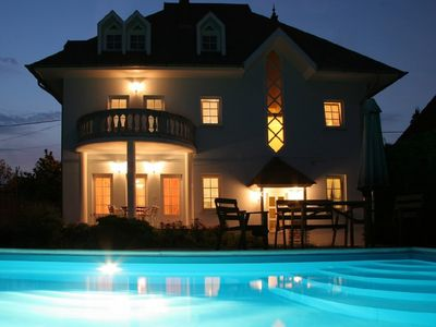 Private 240 m2 holiday home with private swimming pool, AC, 300 m from Balaton