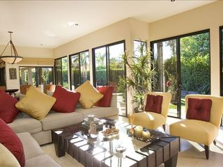 Rancho Mirage villa photo - great room with walls of glass featuring a garden