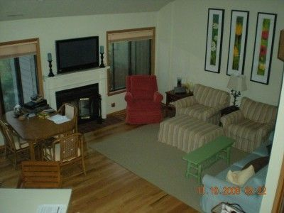 Fontana townhome rental - Living room
