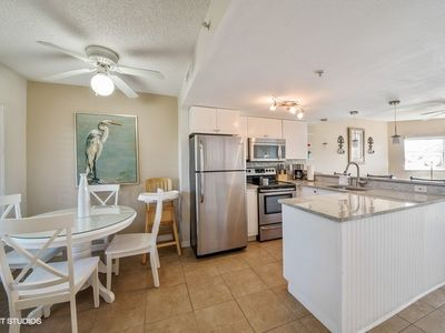 You will love the openness of this condo,  a great place to relax with family