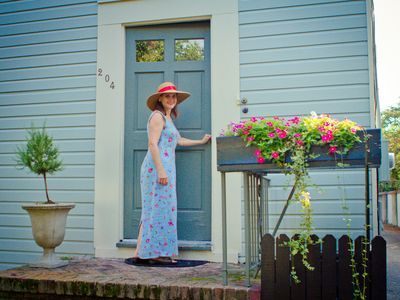 Charleston Tea Party Private Tour Guide, Laura, welcomes you to Charleston.