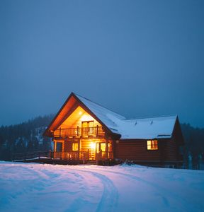 Eagle View Cabin on a winter evening