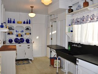 Peaks Island cottage photo - Kitchen with Slate Sink