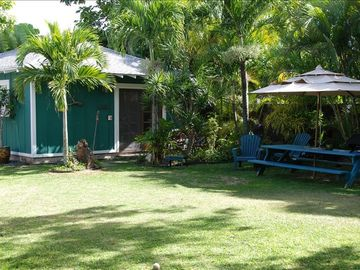 Kailua studio rental - Cottage Front Entry