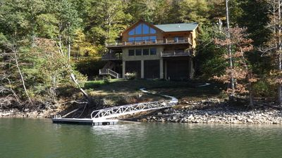 TRUE LAKEFRONT LUXURY MTN CABIN, AVAILABLE - FALL COLORS & CHRISTMAS/NEW YEARS