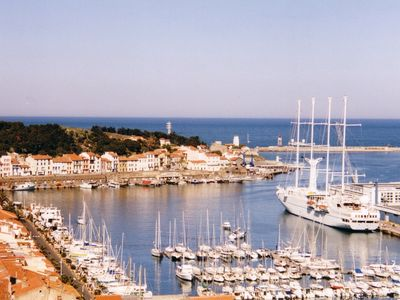 On the hills of Port-Vendres. 2 bedroom apartment