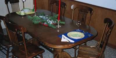 Expandable table with matching china/silver for 8 with formal or informal mats