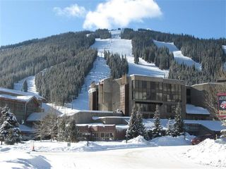 Copper Mountain condo photo - Snowflake Condo with Super Bee Lift & Slopes Behind