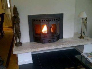 Mook en Middelaar bungalow photo - wood burning fire