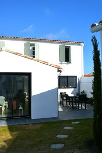 Peaceful house, with terrace , Loix, Poitou-Charentes