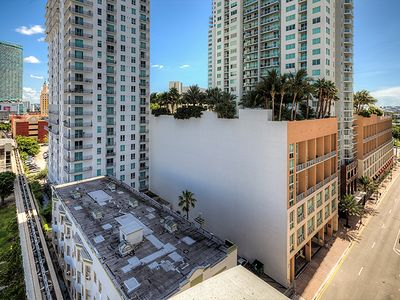 Luxury Condo Downtown Miami