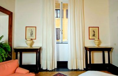 Piazza Navona apartment rental - Front bedroom has a nice seating area and large windows.