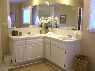 Bathroom vanity with double sinks