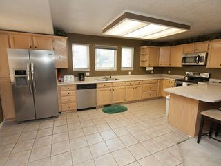 Cottonwood Heights condo photo - Fully Equipped modern kitchen