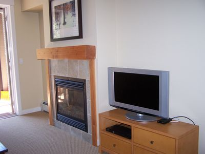 Gas fireplace and flat screen tv make relaxing a joy.
