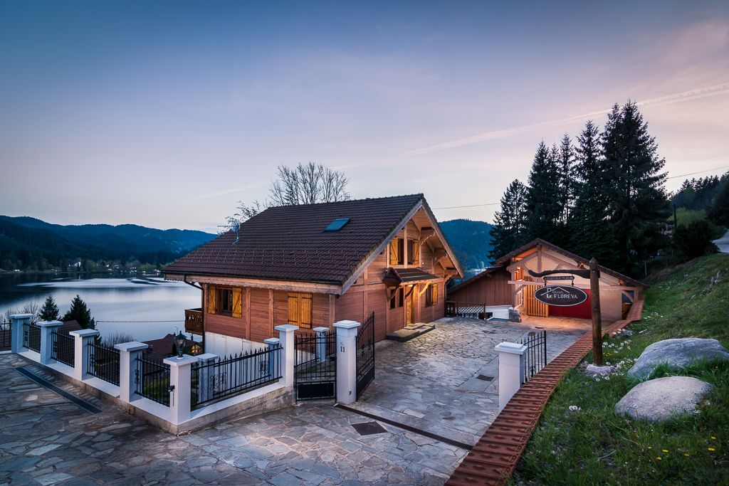 Chalet grand standing avec piscine interieure chauffee for Location vosges week end avec piscine