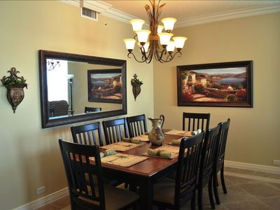Spacious Dining Area, Seats 8 plus Additional Dining for 2 at Breakfast Bar