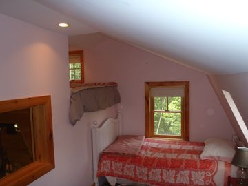 Second bed with queen loft and twin bed