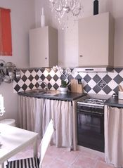 Aix-En-Provence apartment photo - Kitchen and Eating Area for Six, all equipped with washer, dryer, dishwasher.