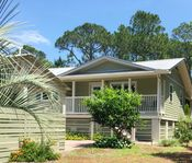 Heart Shell Cottage ~ Charming Beach House ~Heated Pool~ 250 Steps to the Beach