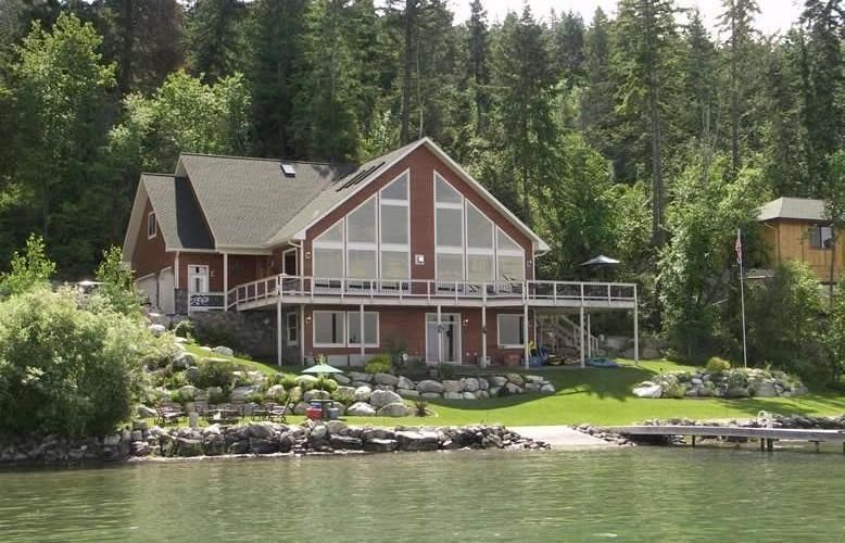 Magnificent Lakefront, Largest Rental on Flathead