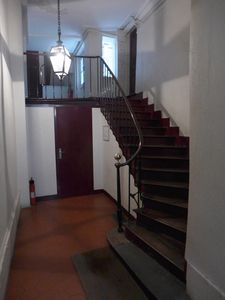 Apt LISLE - Ile St Louis - The building elevator starts on top of the stairs.