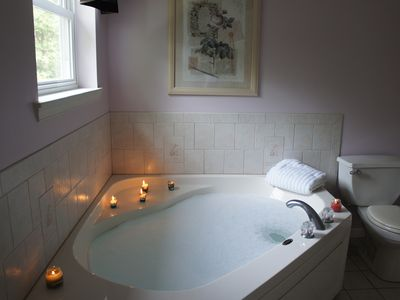 Large tub in the master bedroom to relax your stress away.