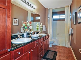 Kierland Scottsdale condo photo - Spacious master bathroom with double sinks