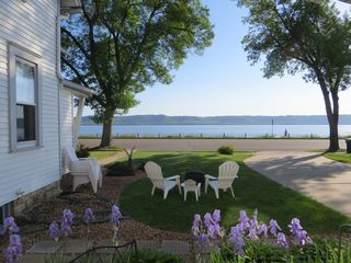 Dramatic views on minnesota 39 s south homeaway lake city for Lake pepin cabin rentals