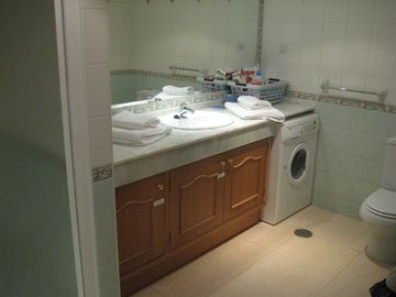 Shower room with washer-dryer
