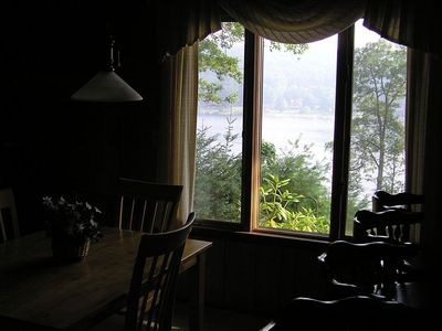 Dining Room: Lake view