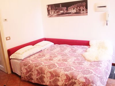 Amazing One Bedroom Apartment with a Charming View on the Roofs of Trastevere!