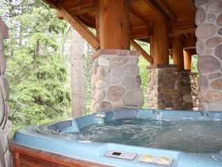 Sundance cabin photo - Private outdoor Hot Tub, with a VIEW!