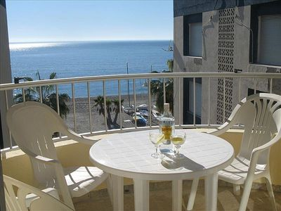 Fantastic beach front apartment looking out over the beautiful La Herradura bay