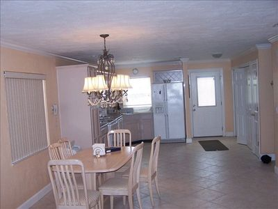 Dining room and kitchen upper level. Fully equipped. Everytning you need.