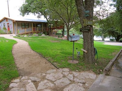 Lake Austin cottage rental - BAGGAGE UNLOADING AREA with plenty of parking a few feet ahead