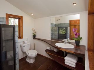 Manuel Antonio villa photo - Small bathroom in Casa Luz (upstairs)