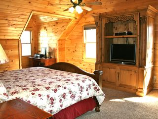Black Mountain lodge photo - Large King Master bedroom on top level with great views.