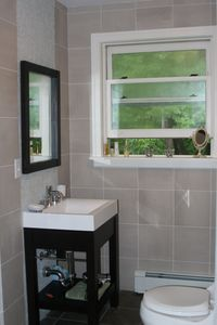 Saugerties house rental - downstairs bathroom