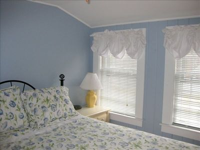 Upstairs Queen Bedroom - Very private with a little nook for reading