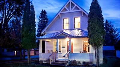 THE CLAYTON HOUSE - a SkyRun Whitefish Property - Welcome to the Clayton House - Historic Four Bedroom Home in Whitefish