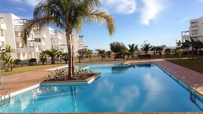 NEWLY FURNISHED AND DECORATED APARTMENT ON A GOLF RESORT WITH POOL VIEW