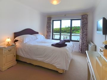The spacious principal master bedroom ensuite