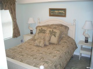 Downstairs Private Bedroom W Queen Bed - Wildwood townhome vacation rental photo